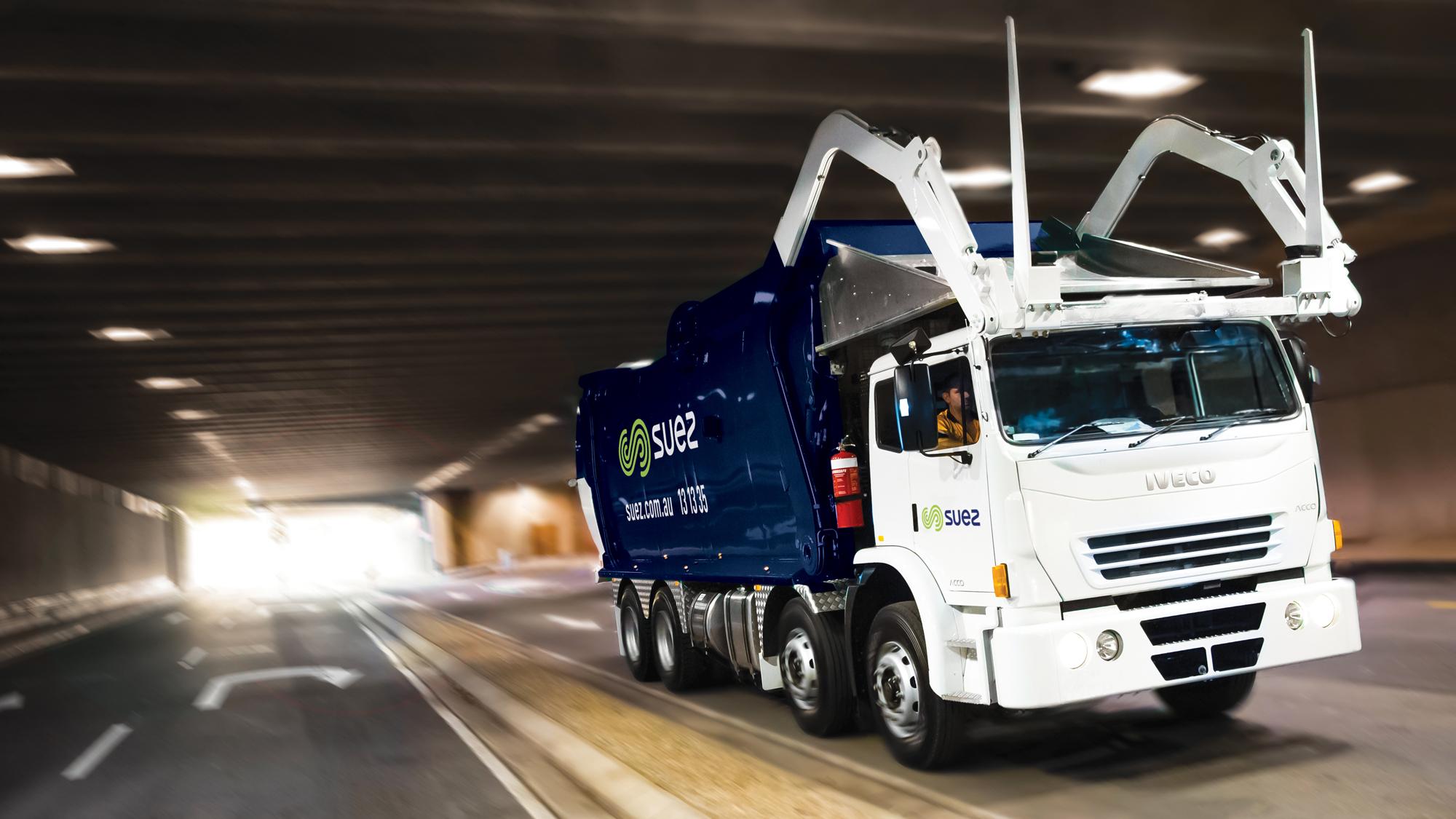 SUEZ businesses total waste management solutions header 2000x1125