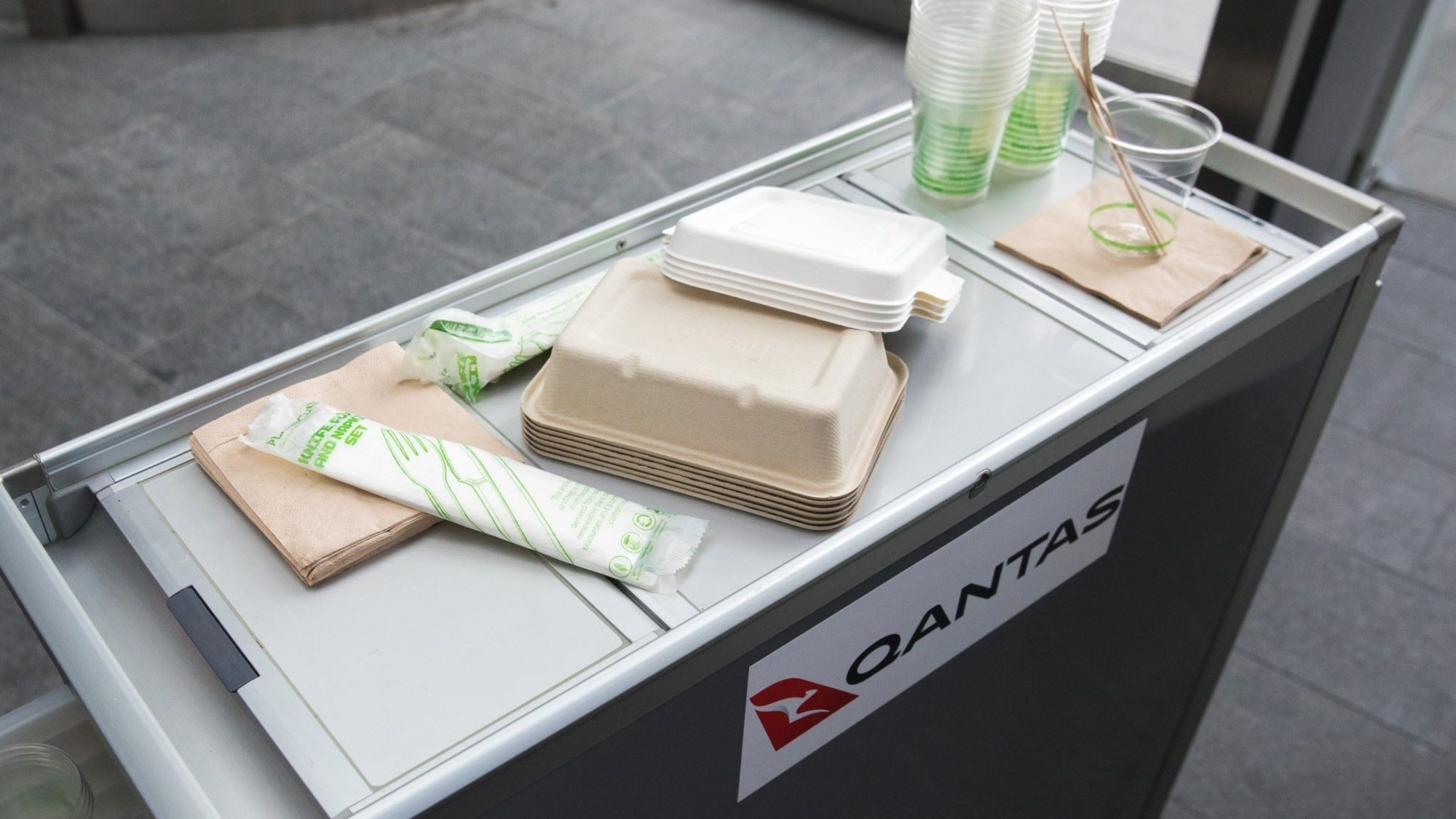 SUEZ qantas packaging 2000x1125