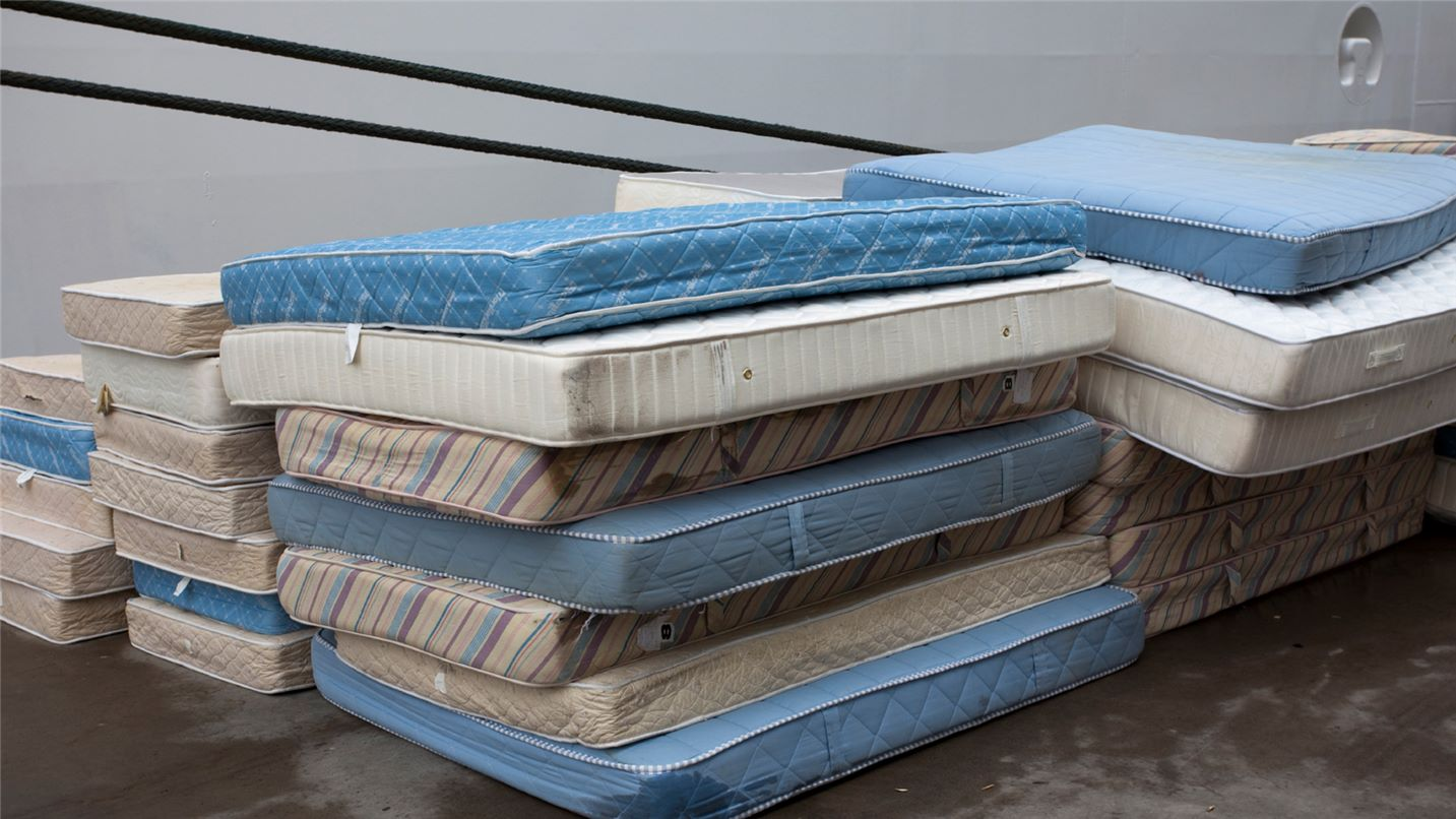 Recycling tips mattresses