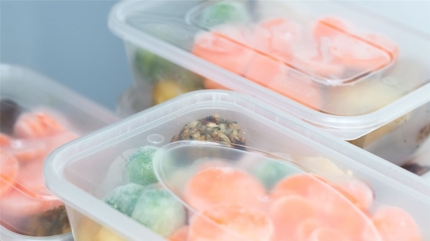 Recycling tips plastic takeaway containers