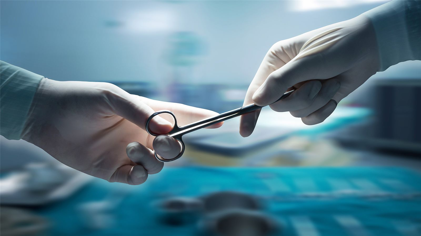Surgical clamp in operating theatre