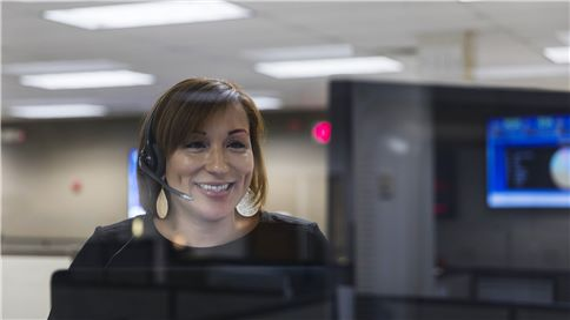 SUEZ ANZ news customer service similing