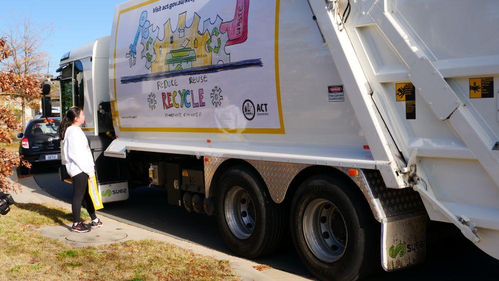 SUEZ_ANZ_Canberra_Truck_Para2_1000x563