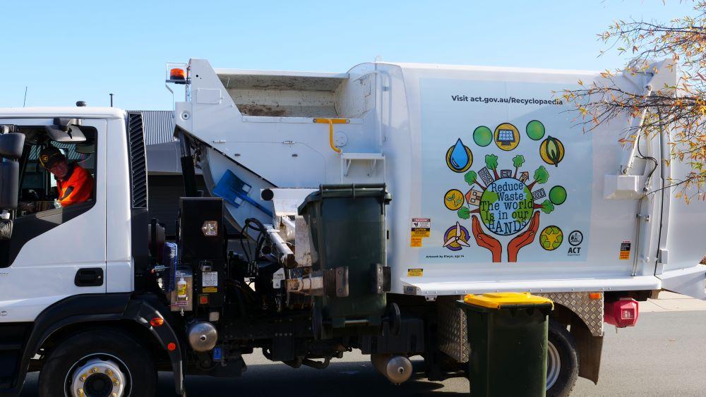 SUEZ_ANZ_Canberra_Truck_Para3_1000x563