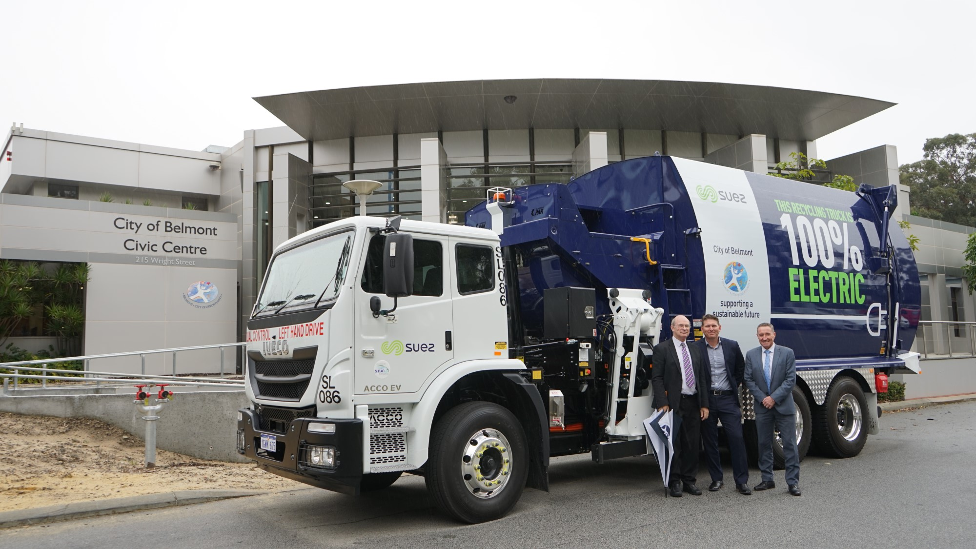 Belmont and SUEZ welcome first EV recycling truck to neighbourhood
