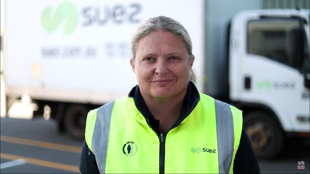 SUEZ-paragraph-career-female-driver-partneeship-1000x563