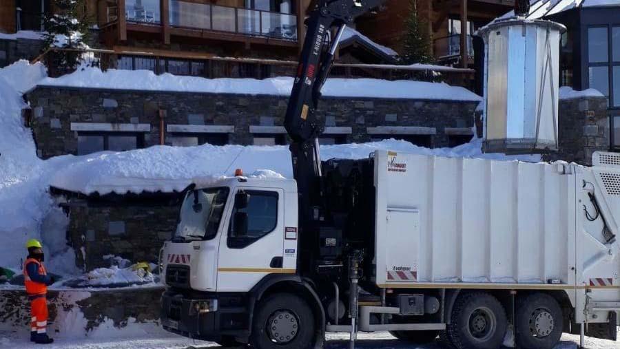 camion collecte dechets montagne