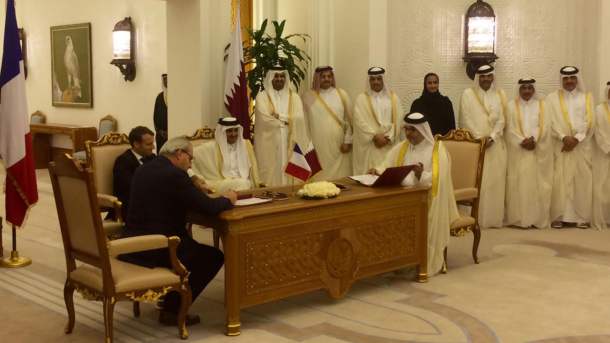 Signature du contrat de dépollution des sols des lagons d'Al Karaana