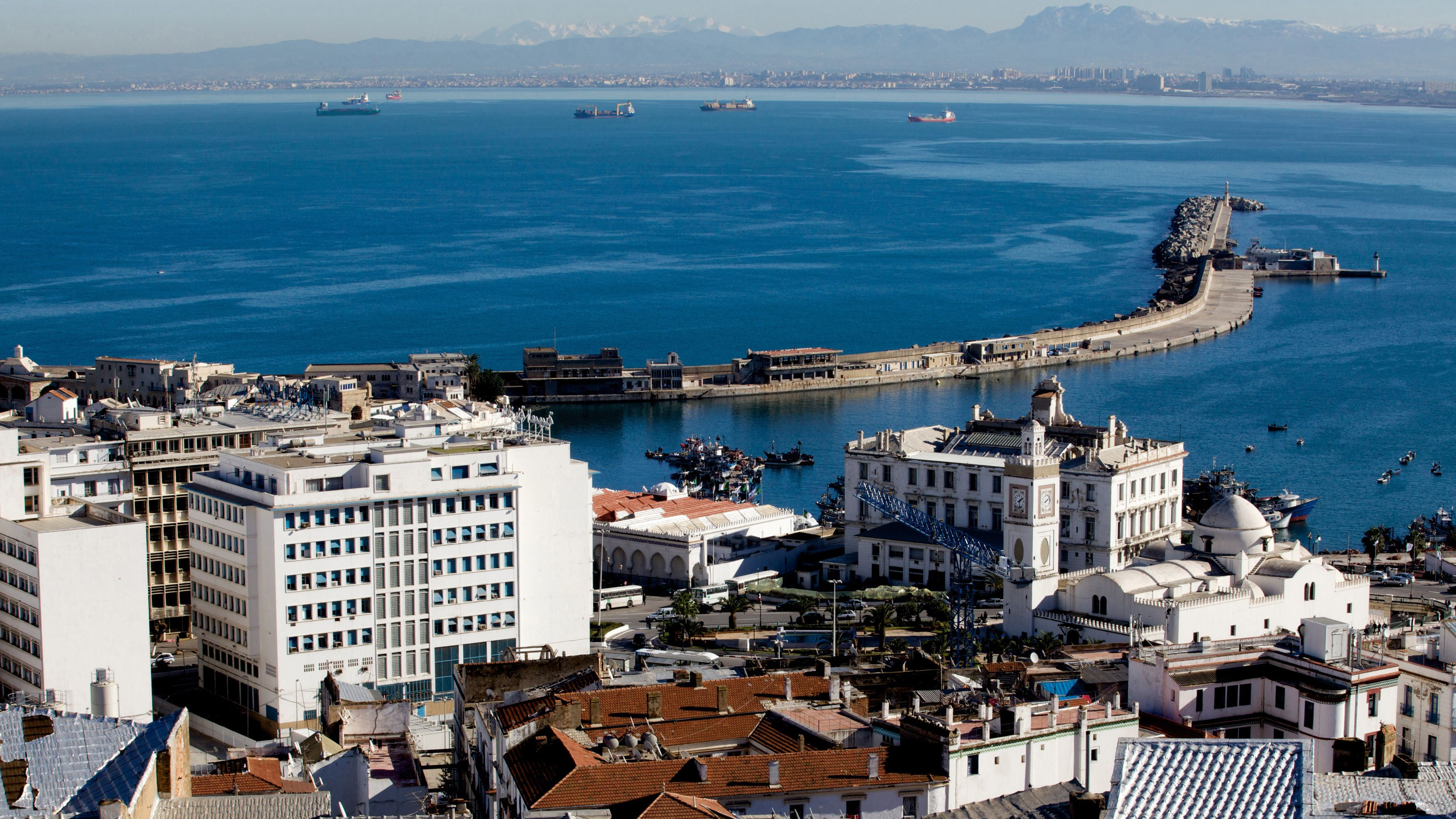 View of the city and the bay of Algiers © Krista BOGGS
