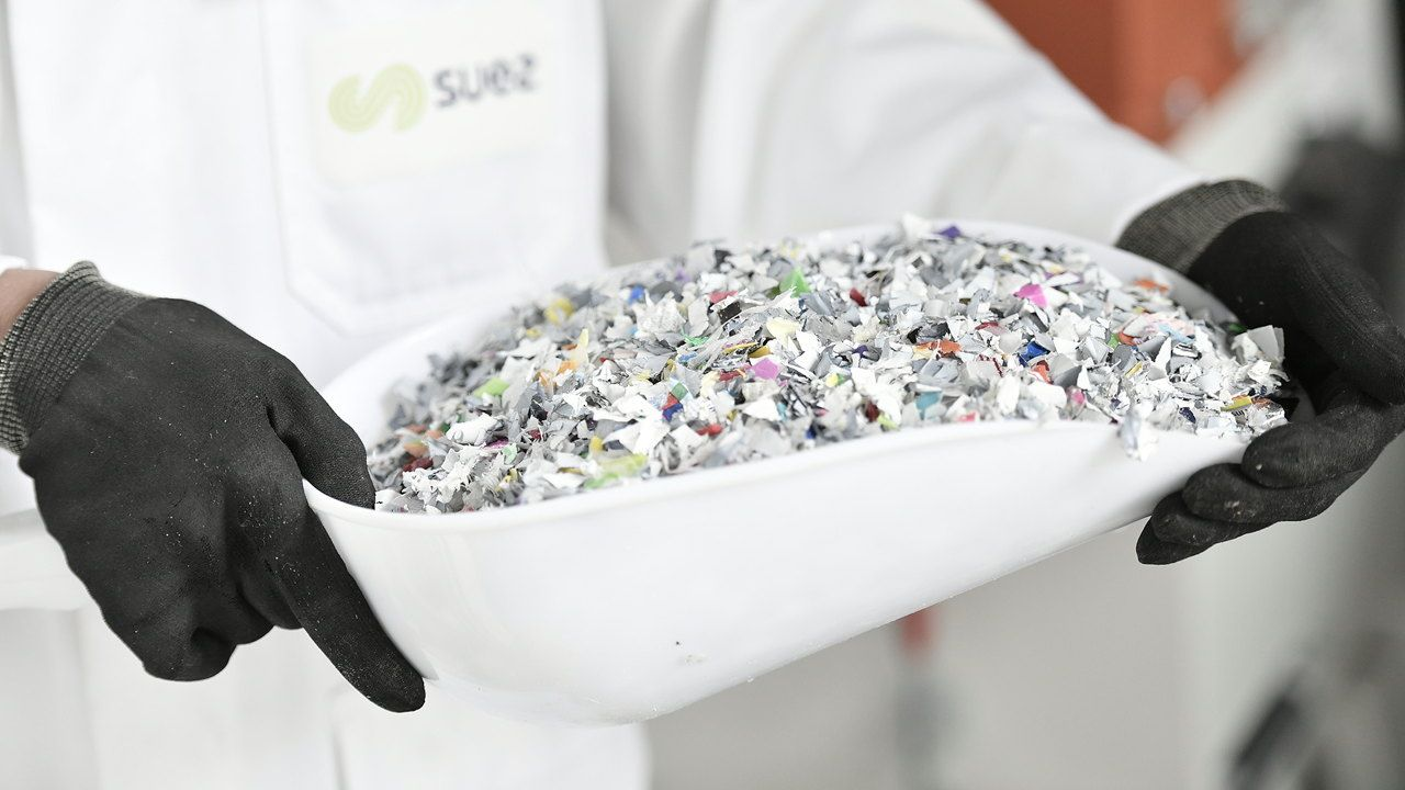 Solution SUEZ laboratory Plast lab recycled plastic