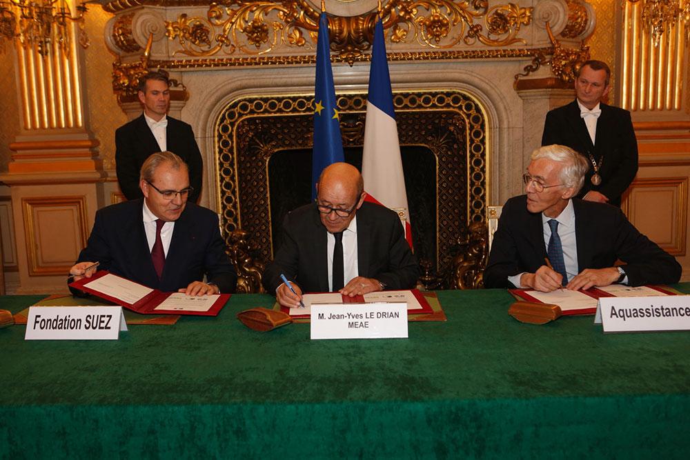 Signature d'un partenariat entre la Fondation SUEZ et le Ministère des Affaires étrangères