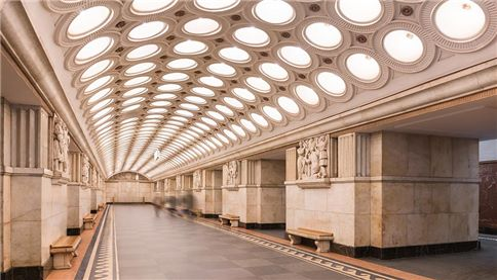 Le hall de la station de métro Elektrozavodskaya à Moscou
