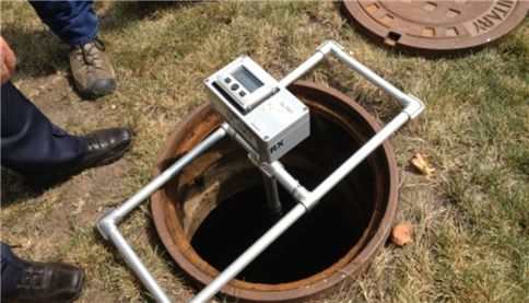 Maintaining sewers using acoustics