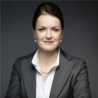 Judith Hartmann-董事副首席执行官和英国首席财务官