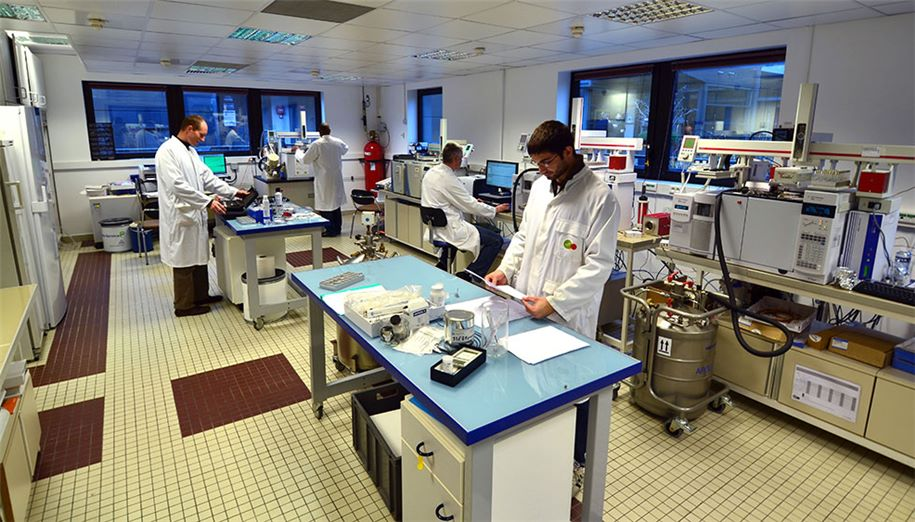 New pollutants laboratory-SUEZ