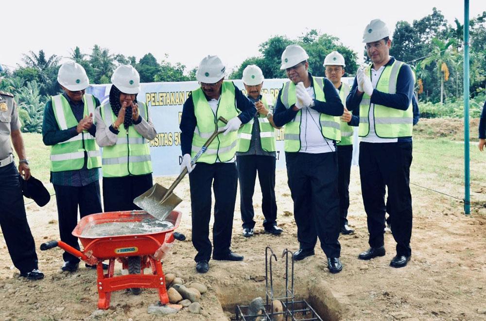 Cérémonie d'inauguration de l'usine de production d'eau potable à Medan