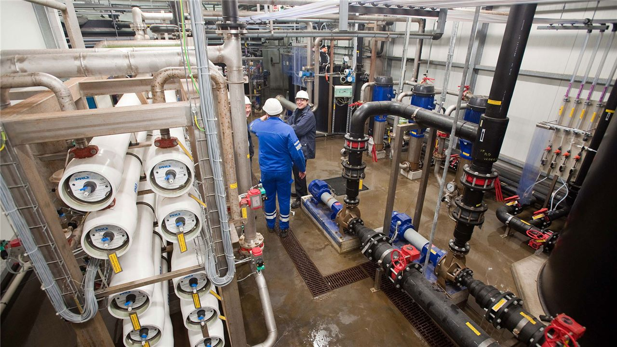 Industrial water installation