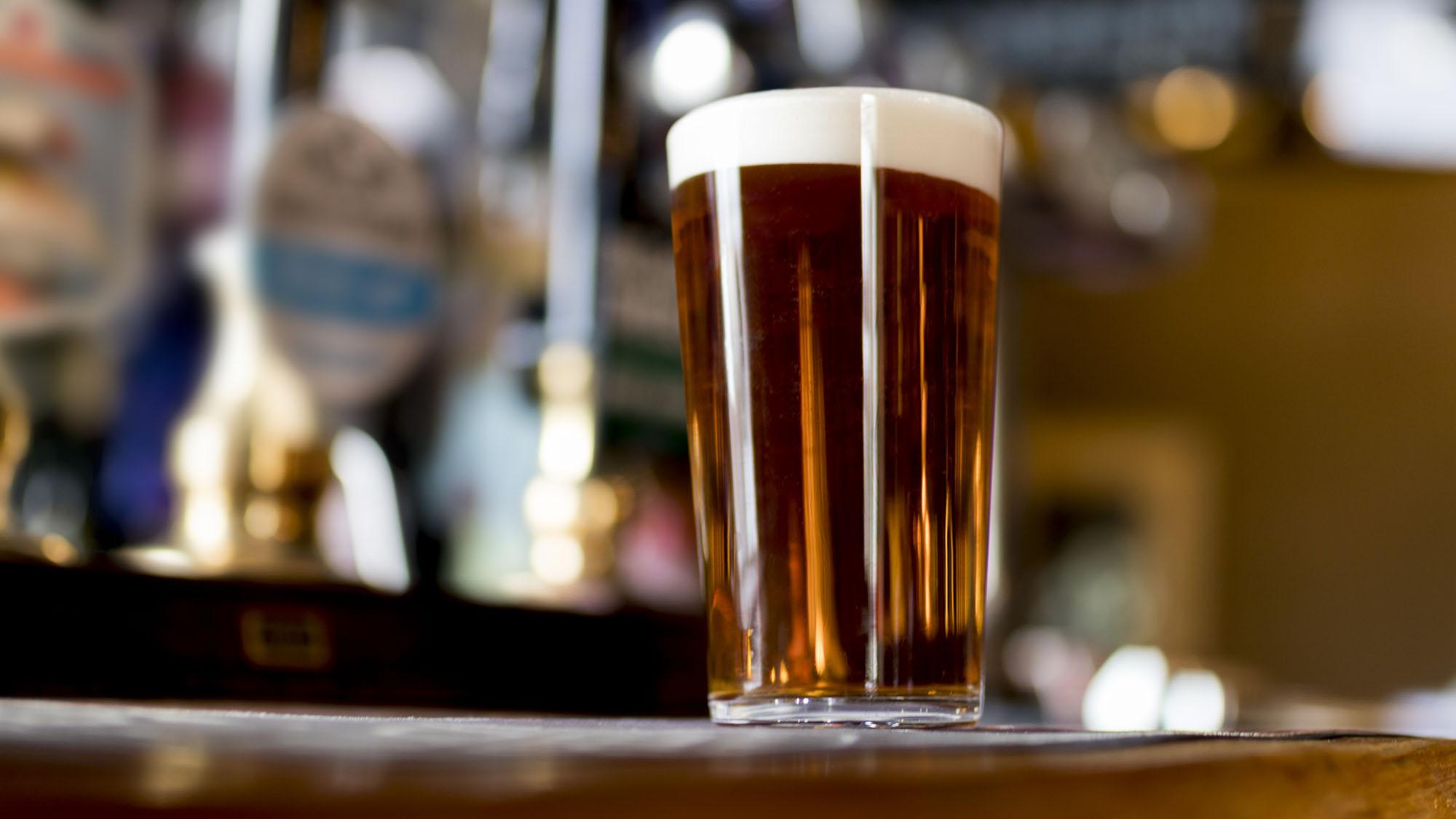 Ale in pub