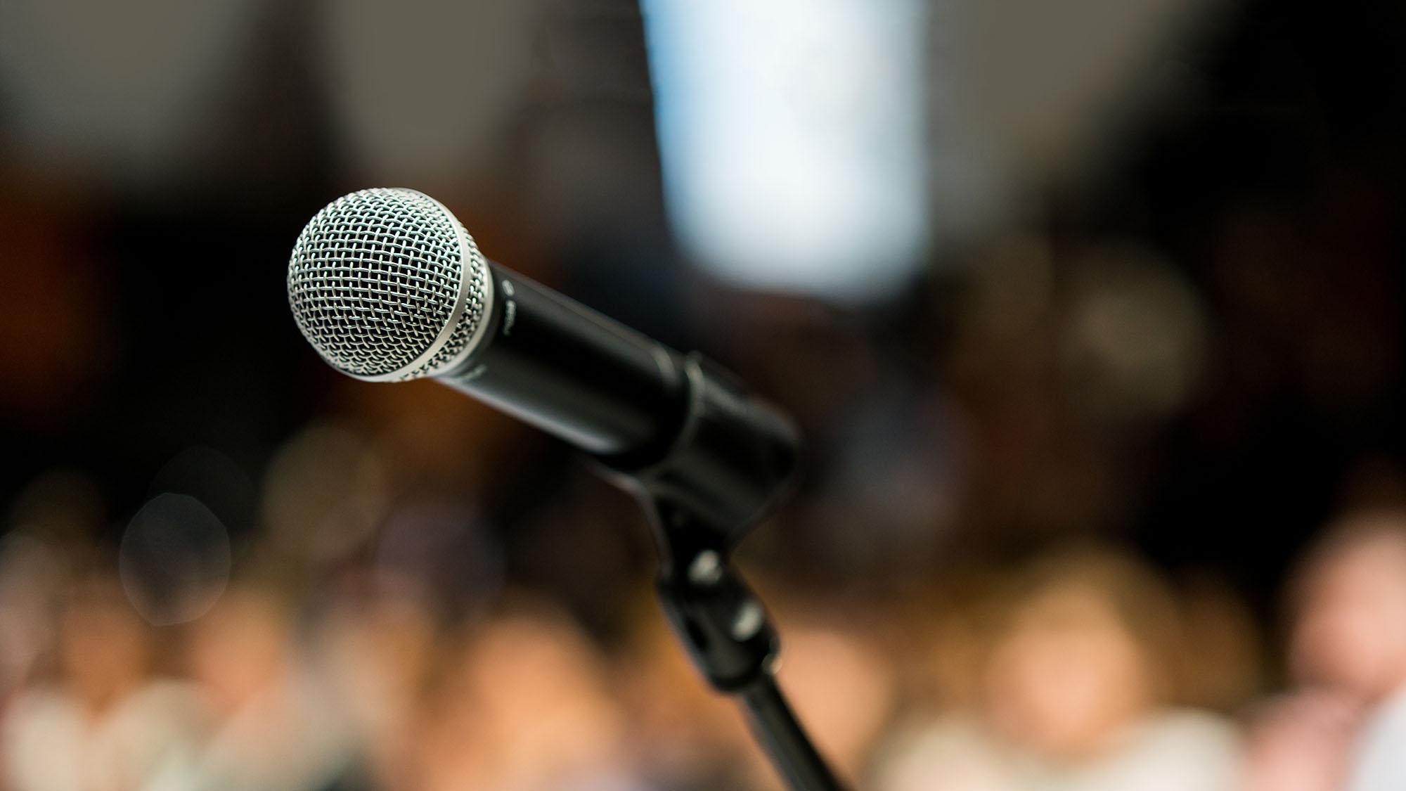 Microphone 1066849836 UK CW