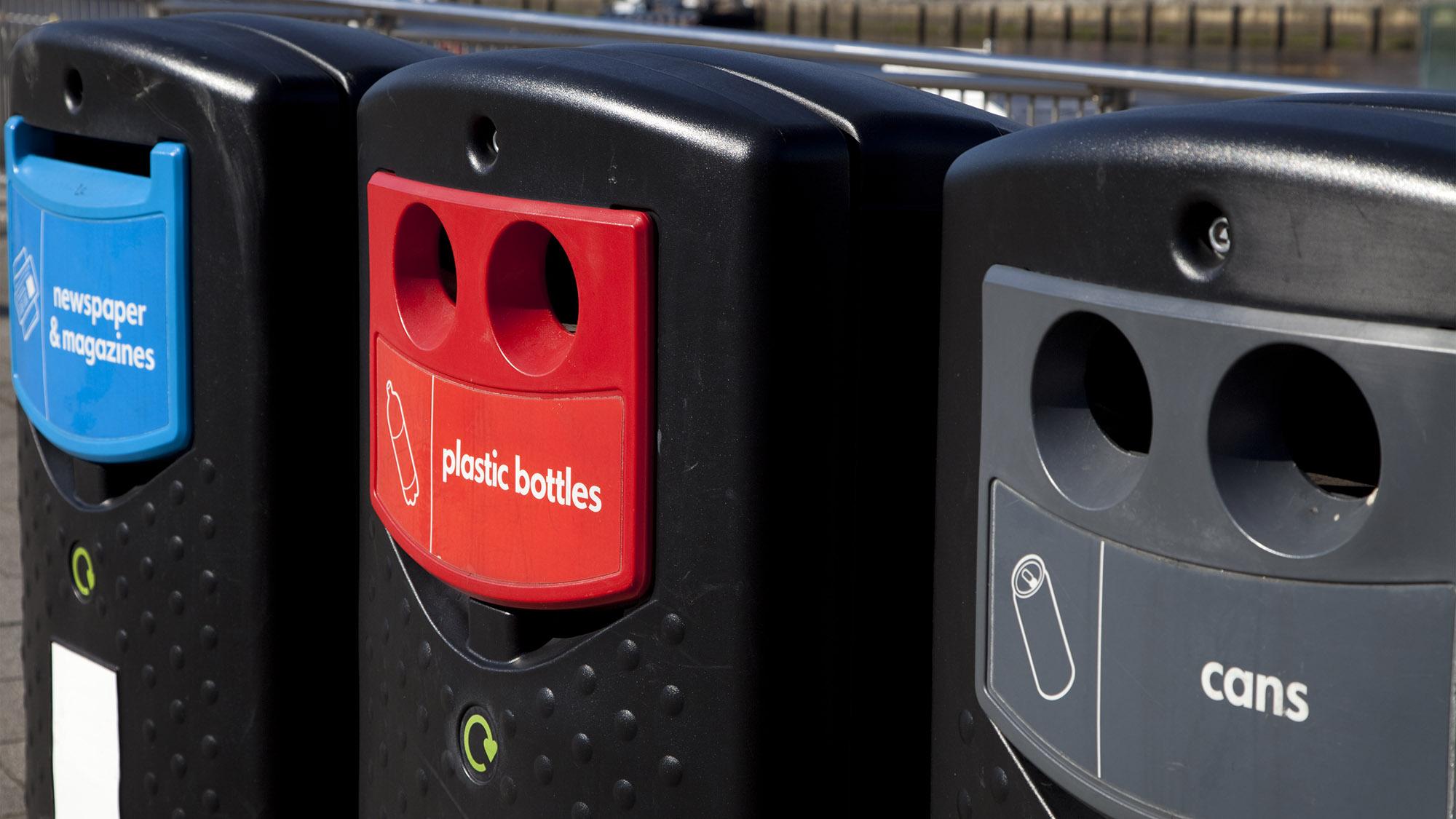 Recycling bins 478872217 UK CW